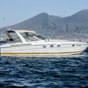 hire boat from Naples to Capri