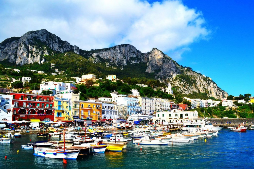 Habour of Capri