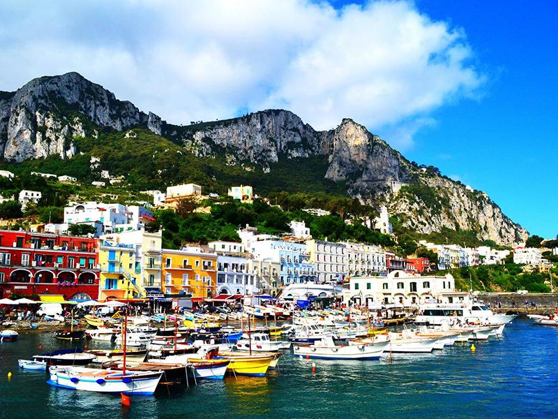 capri boat hire