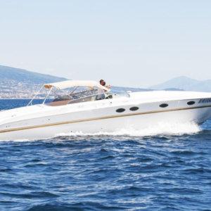 boat rent tornado 45 Capri