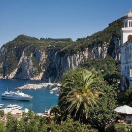 capri-an-island-in-the-tyrrhenian-sea